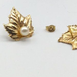 Jewelry - 14K Yellow Gold Maple Leaf Earrings with Pearl